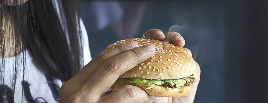 ¿Realmente funciona la hipnosis para dejar de comer?